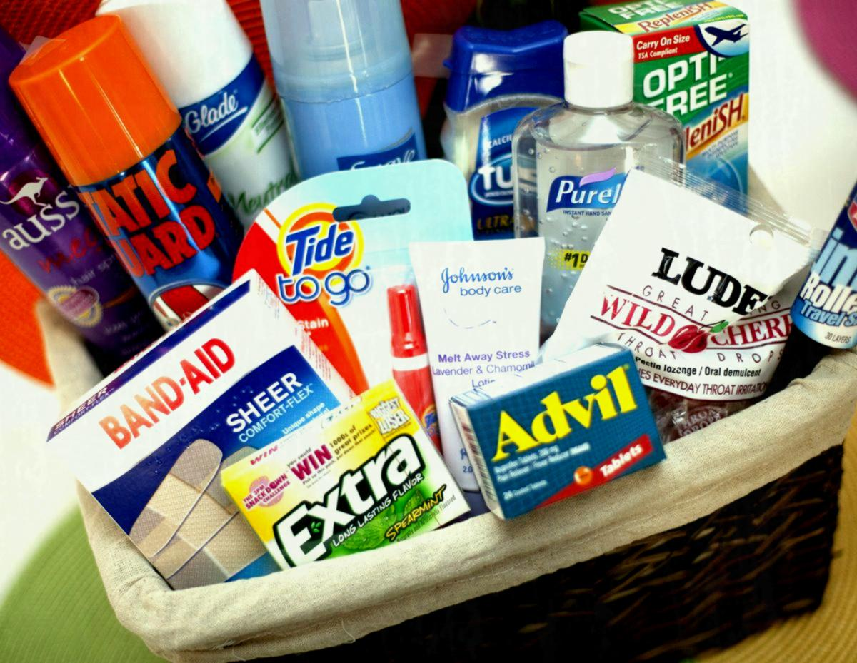 wedding-bathroom-basket-amenity-guest-toiletries-toiletry-poem-baskets-for-guests-men-f.jpg