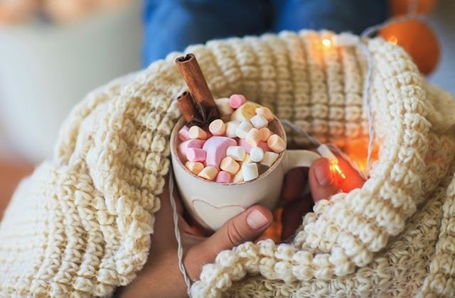 During this Arctic blast, it's a great time to ask yourself: 'How many little marshmallows is the right amount for hot chocolate?' Answer: 1000.  How are you spending this cold day?  @littlebluebirdbooksandgifts - - - #supportsmallbusiness #hotchocolate #marshmellows #sweet #cold #coldday #mothersday #almostwinter  #snow #snowing #blizzard #snowflakes #tastewintertime #staywarm #instagood #photooftheday #season #seasons #nature #arcticblast