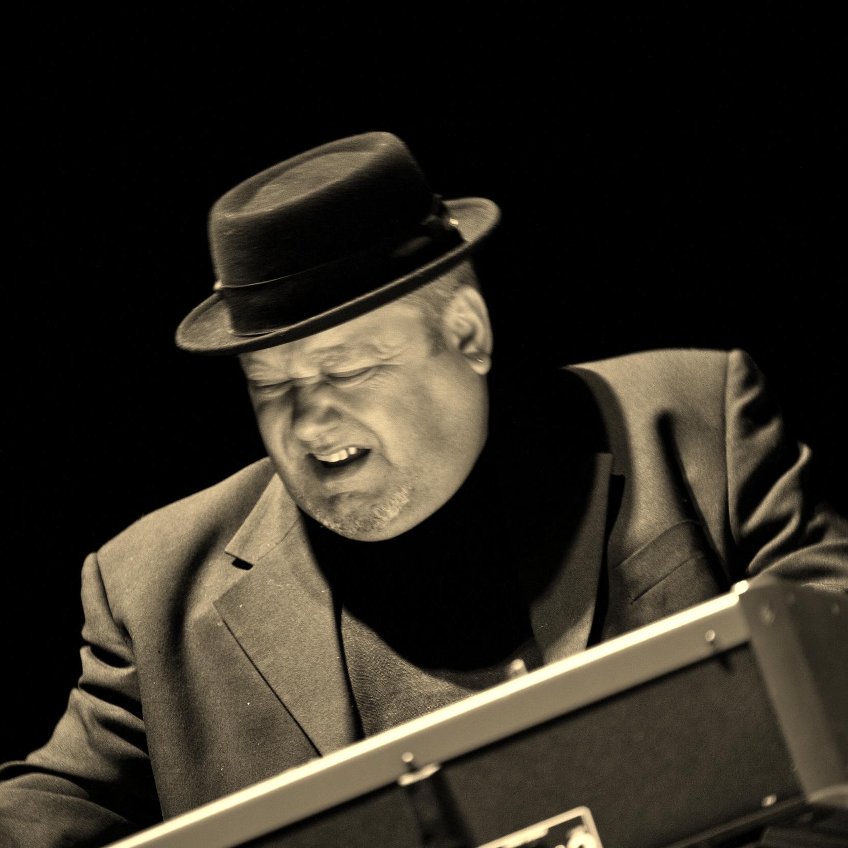 Gerry Youngman/Organ