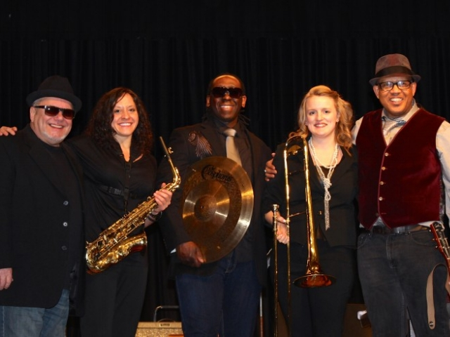w/Lynn Ligamari, saxs and/or Melissa Gardiner, trombone