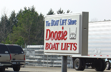 boat-lift-store-sign.jpg