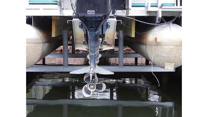 Pontoon-and-Tritoon-Boat-Lifts-16x9.jpg