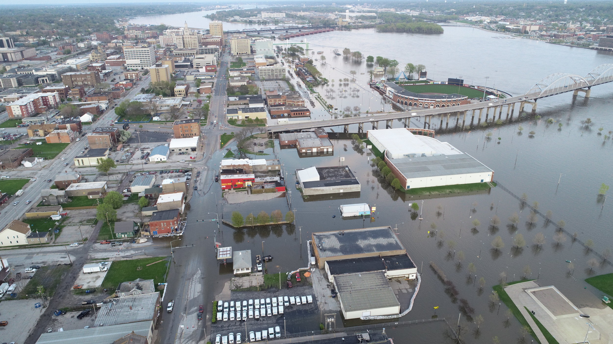 UpintheAir Iowa Downtown Davenport Flood 2019 May.JPG