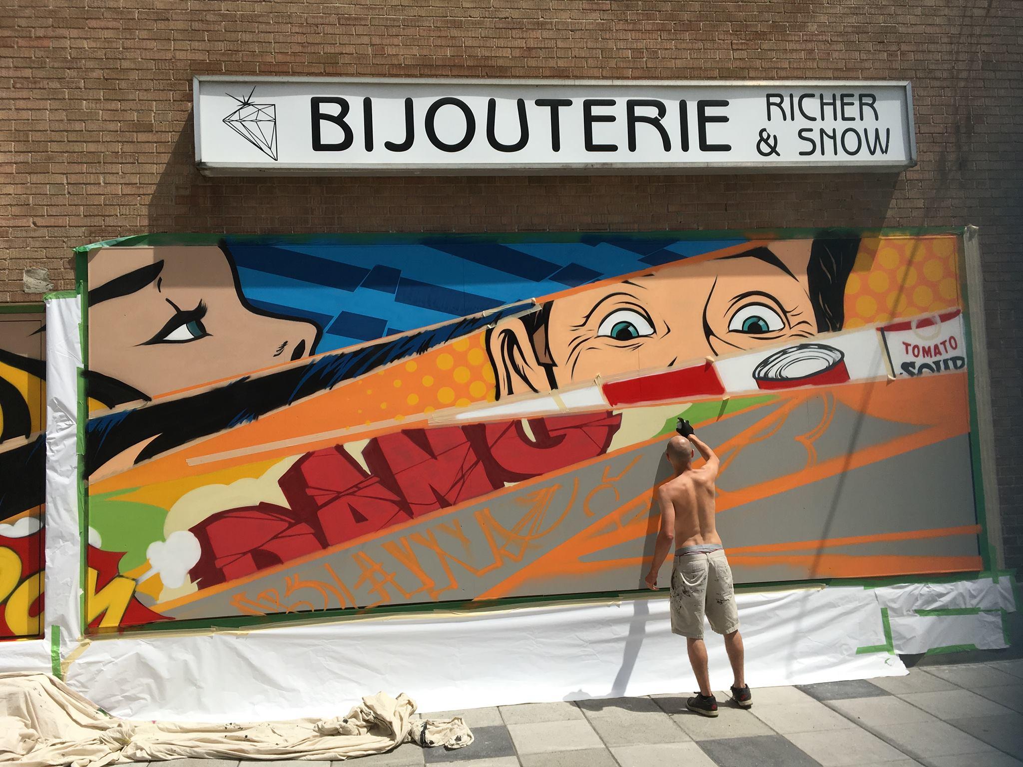 L'artiste Marin Mitrasinovic au travail. Photo : Stefan Psenak (Gracieuseté de Vision Centre-Ville)