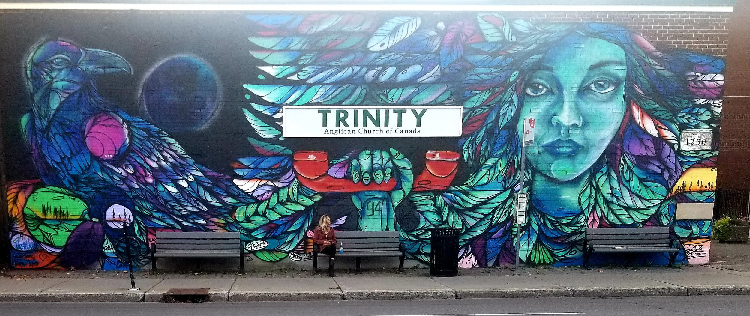"""Murale """"Telling the Truth"""" réalisée par l'artiste Mique Michelle en septembre 2018 sur un des murs extérieurs de la Trinity Anglican Church, à Ottawa"""