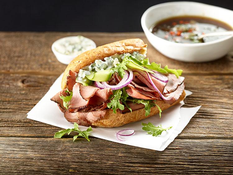 roast_beef_cucumber_arugula_sandwich.jpg