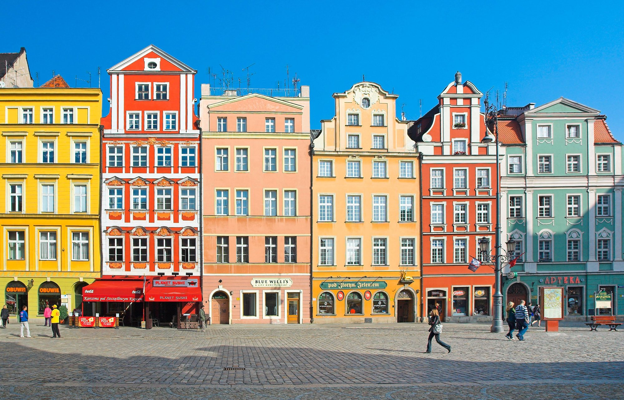 00-holding-wroclaw-poland-travel-guide.jpg