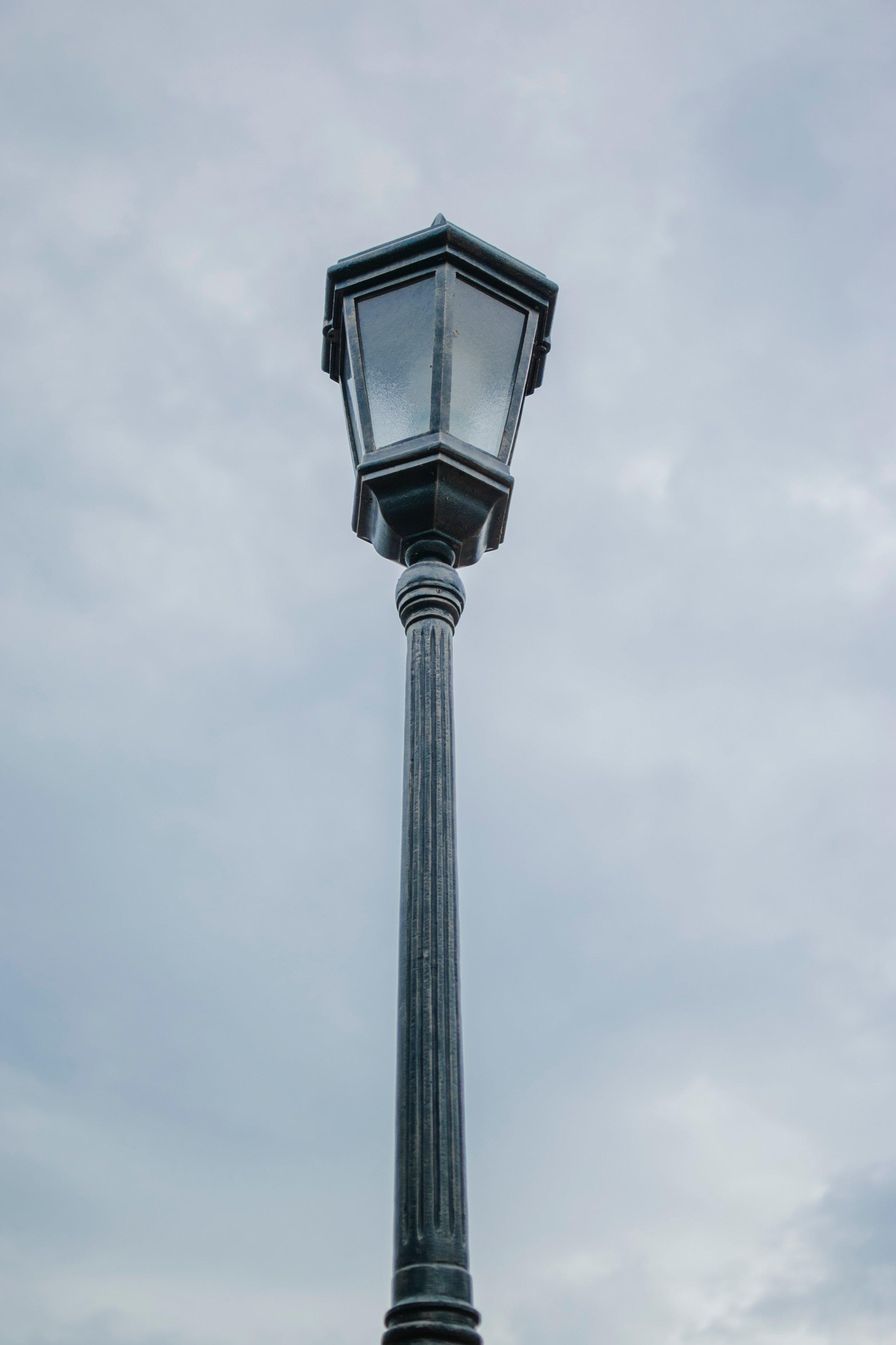 lamp-bulb-lamps-luz-2214779.jpg