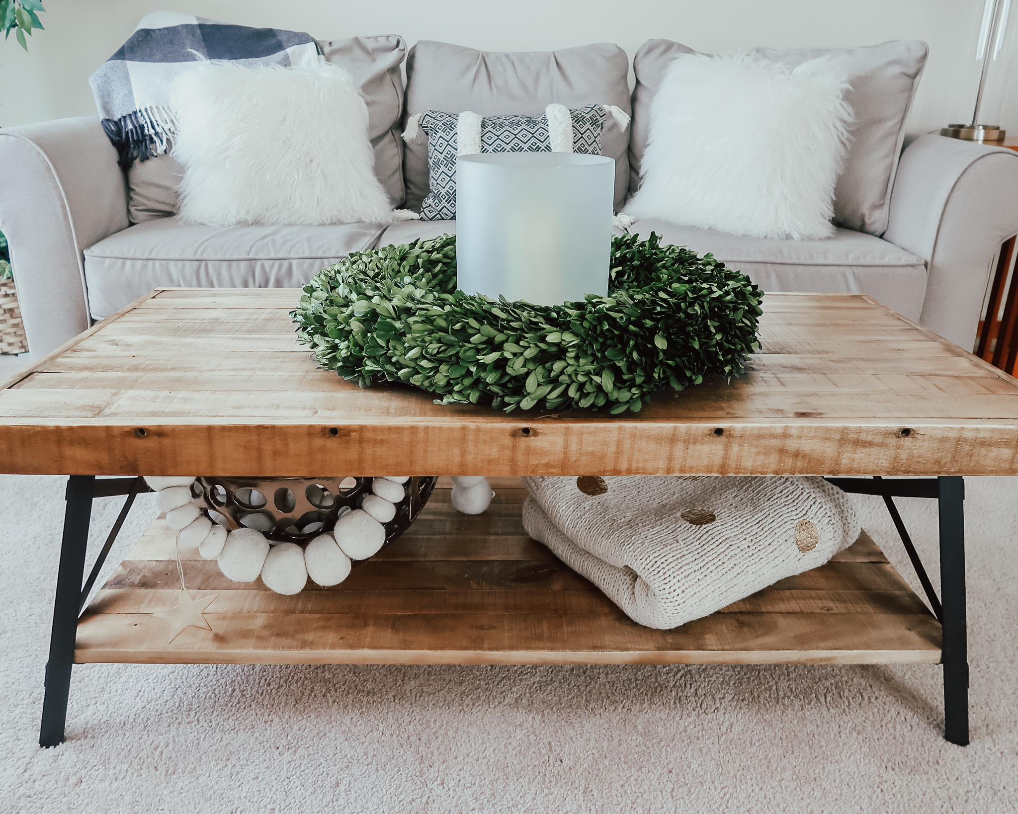 5-ways-to-cozy-your-home-holiday-decor-5.jpg