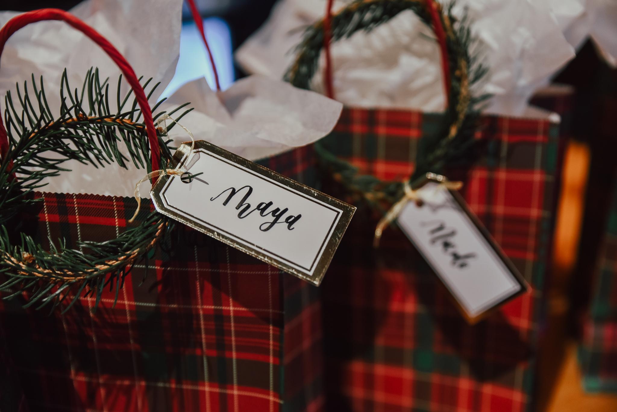 Pine-Wreath-Gift-Tag-Holiday-DIY-4.jpg
