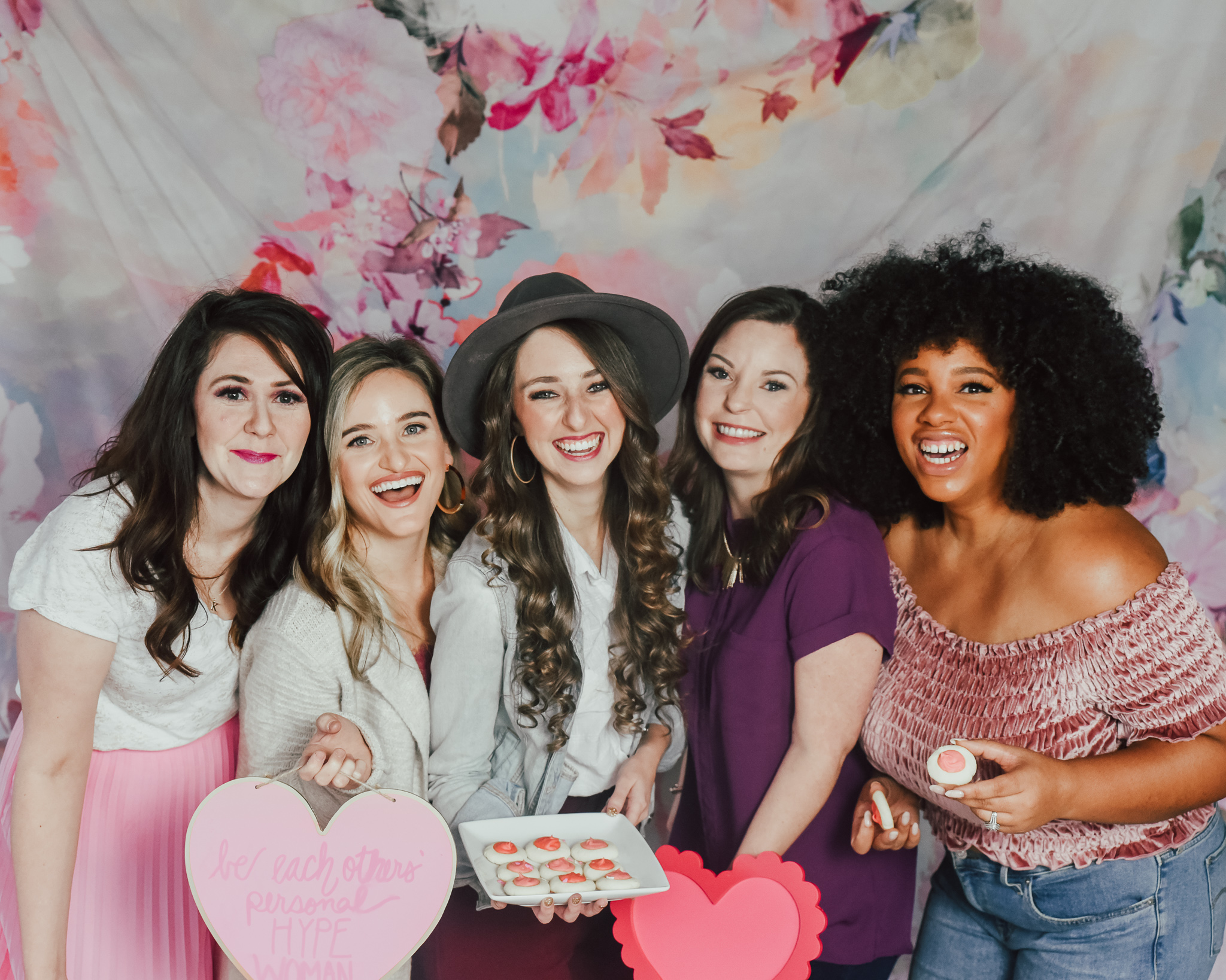 5-WAYS-TO-HOST-THE-ULTIMATE-GALENTINES-DAY-PARTY-1.jpg