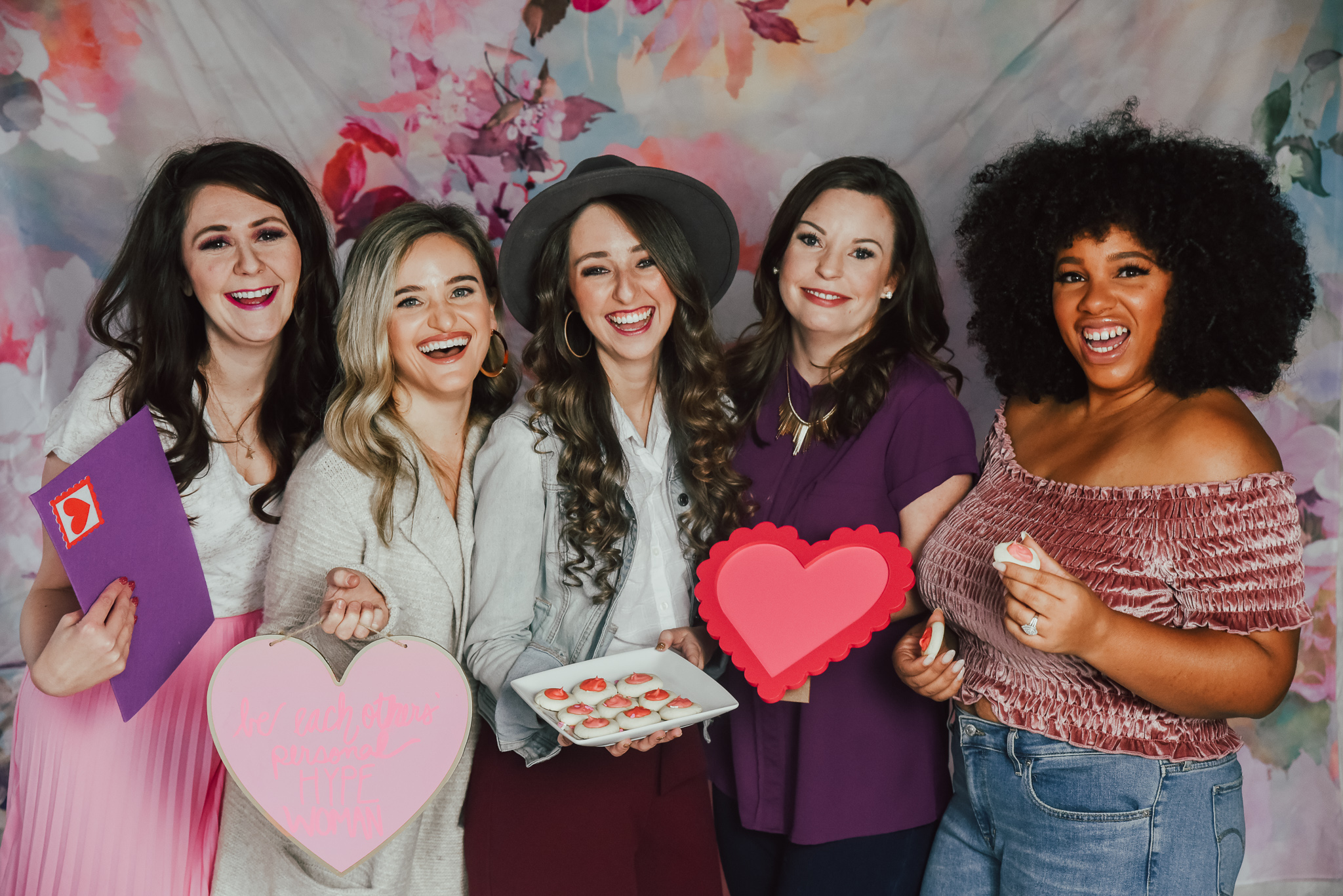5-IDEAS-FOR-HOSTING-THE-ULTIMATE-GALENTINE'S-DAY-PARTY-2.jpg