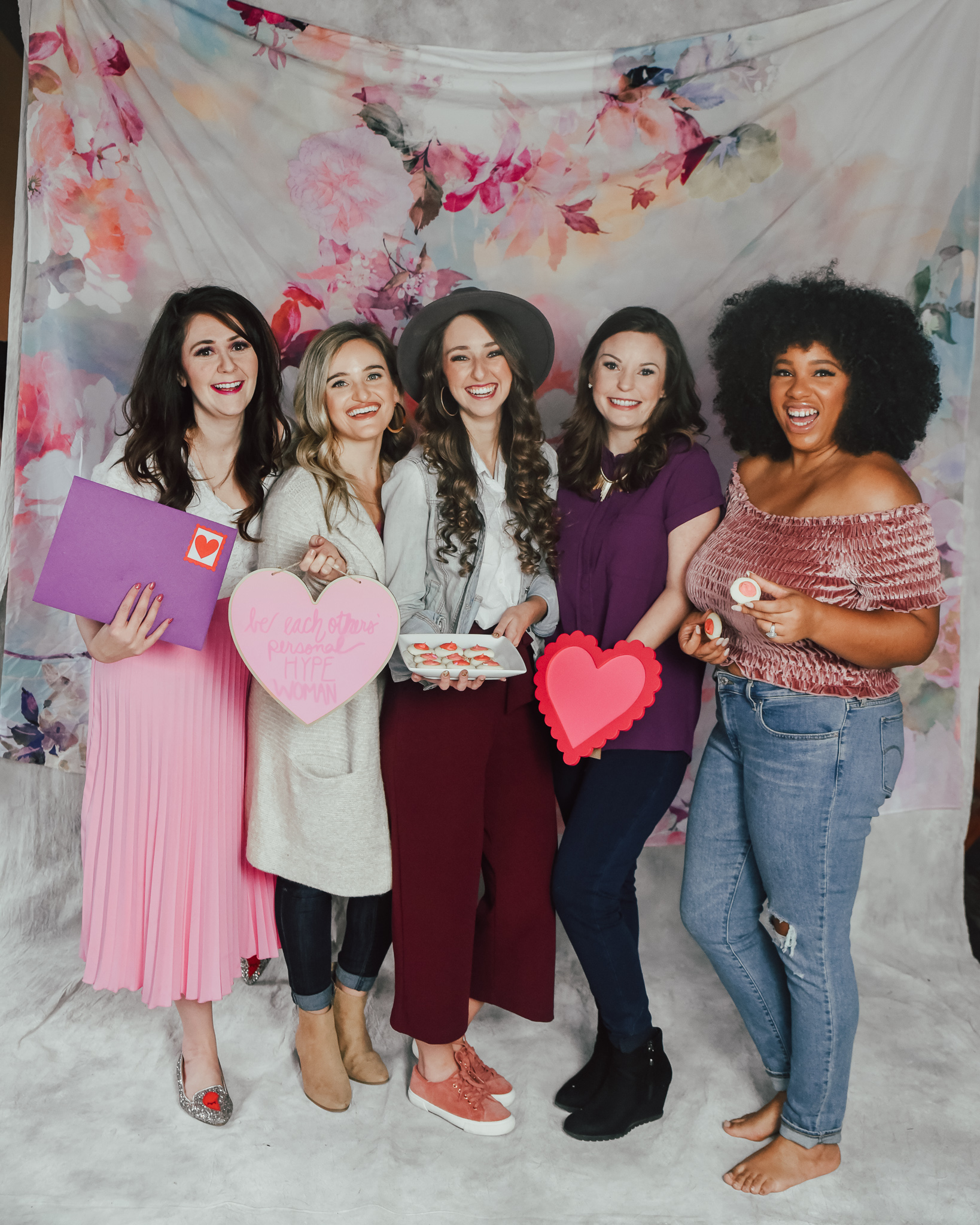 5-IDEAS-FOR-HOSTING-THE-ULTIMATE-GALENTINE'S-DAY-PARTY-3.jpg
