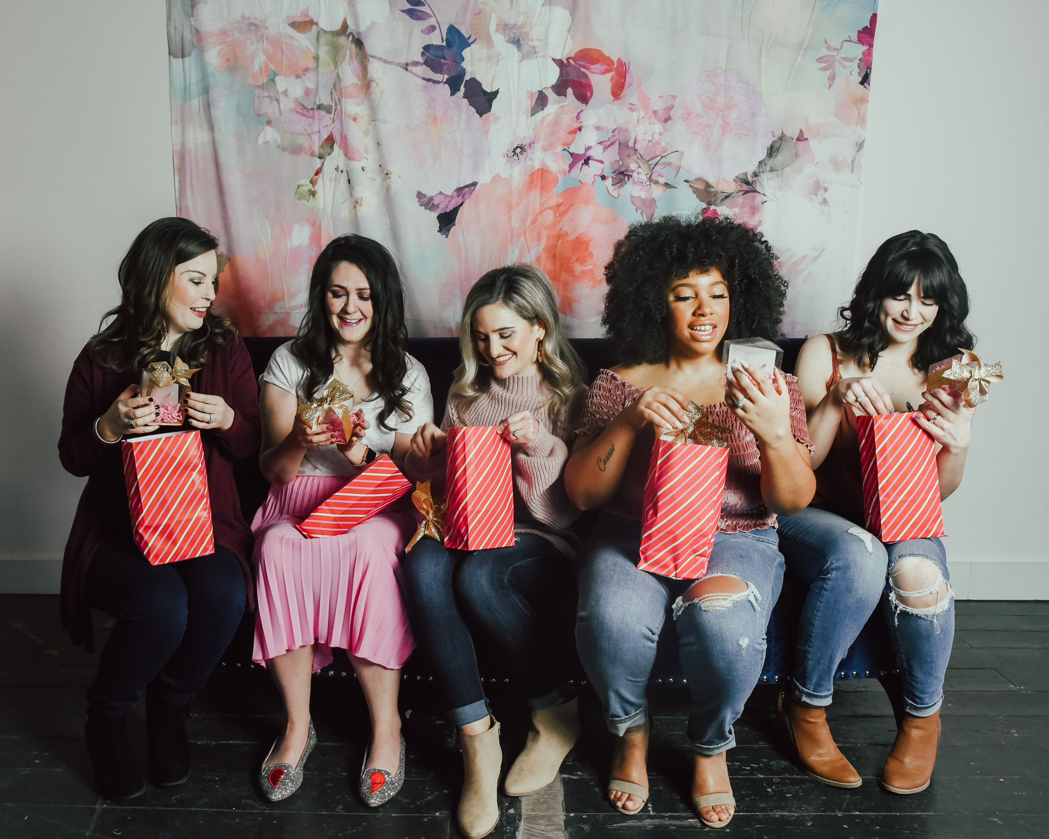 5-IDEAS-FOR-HOSTING-THE-ULTIMATE-GALENTINE'S-DAY-PARTY-4.jpg