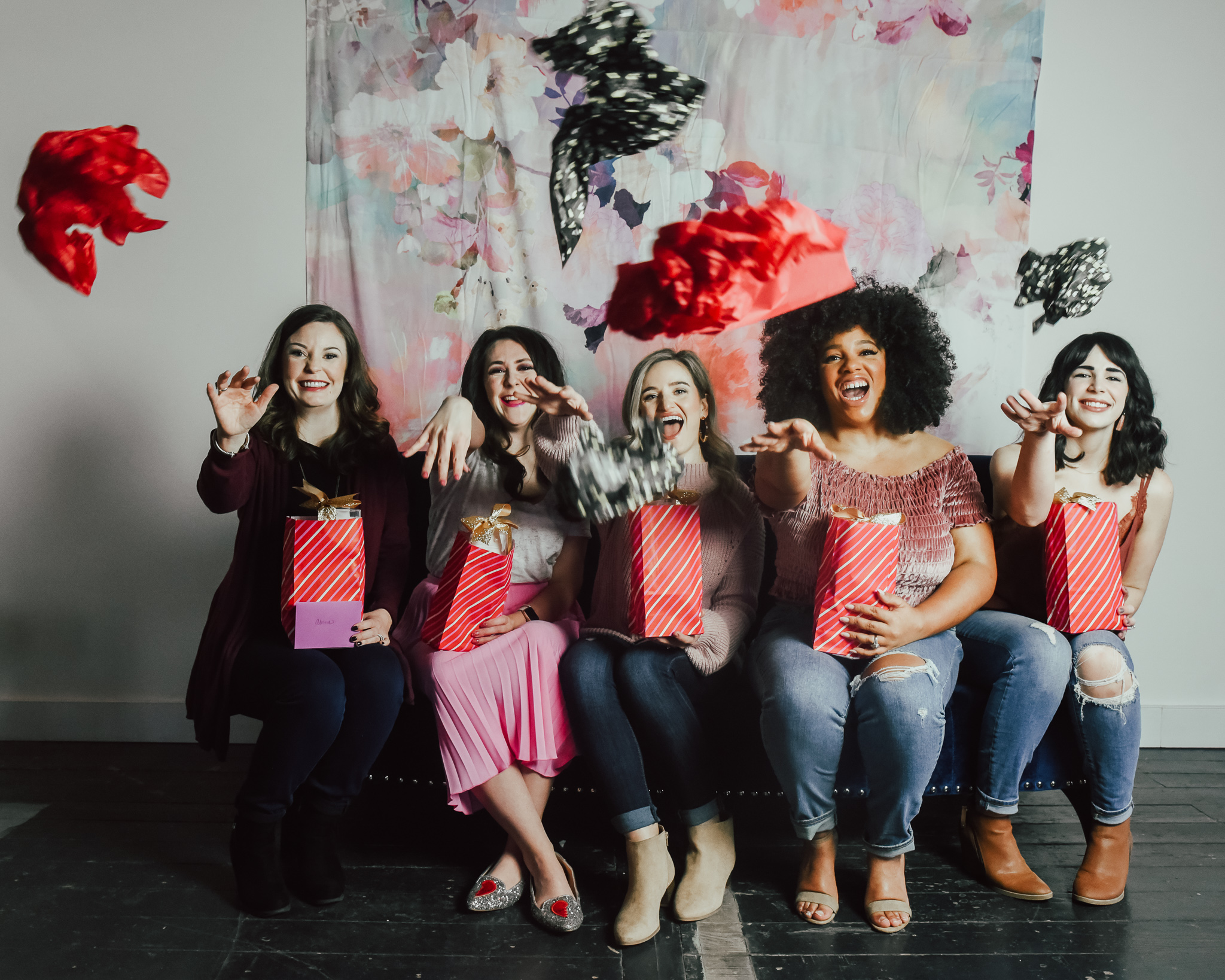 5-IDEAS-FOR-HOSTING-THE-ULTIMATE-GALENTINE'S-DAY-PARTY-5.jpg
