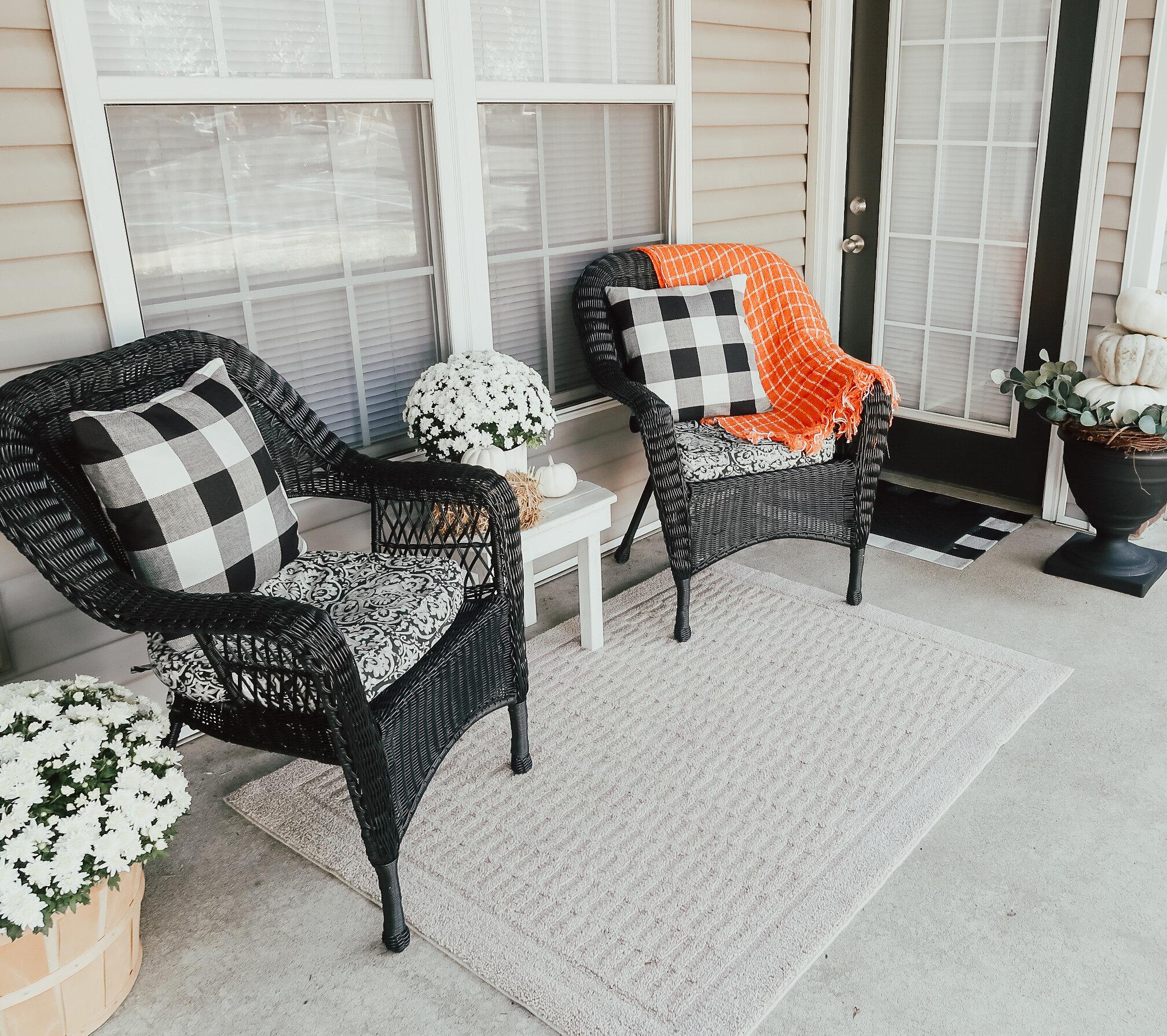 fall-front-porch-decor-1.jpg