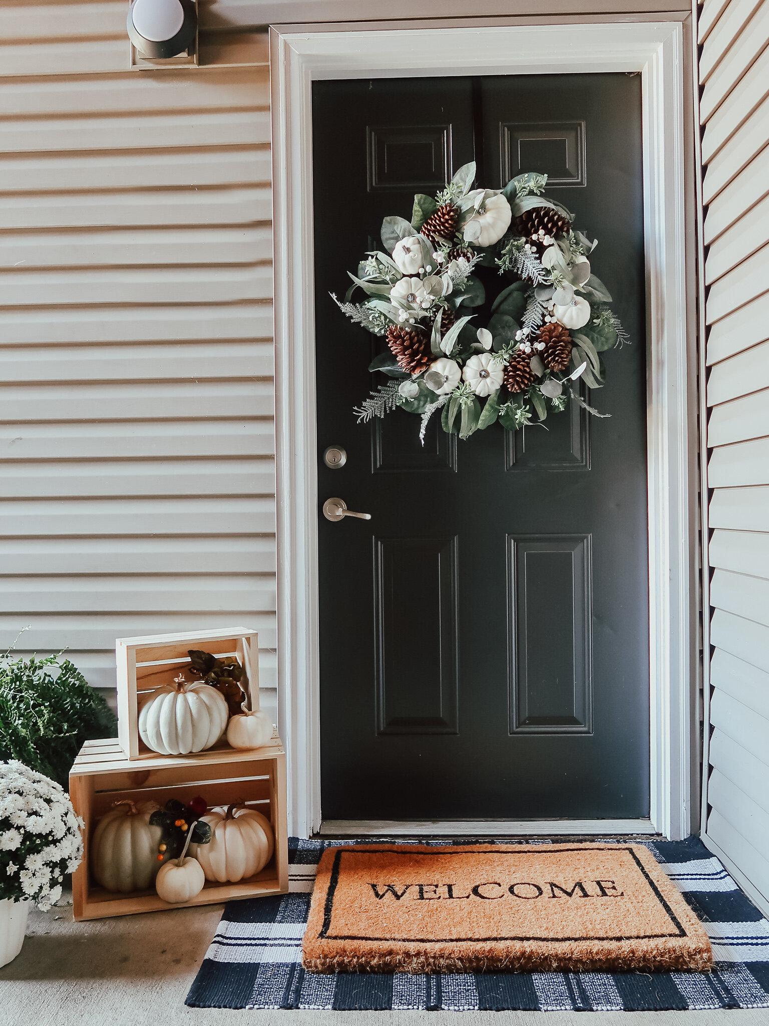 fall-front-porch-decor-4.jpg