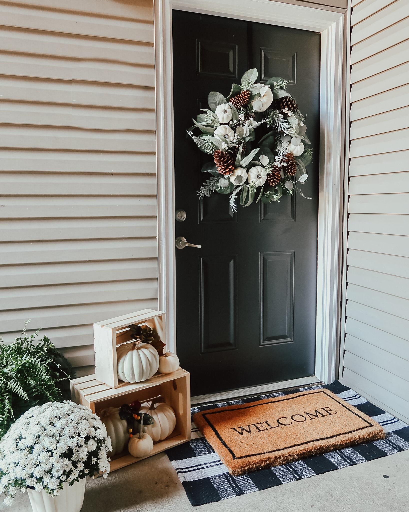 fall-front-porch-decor-5.jpg