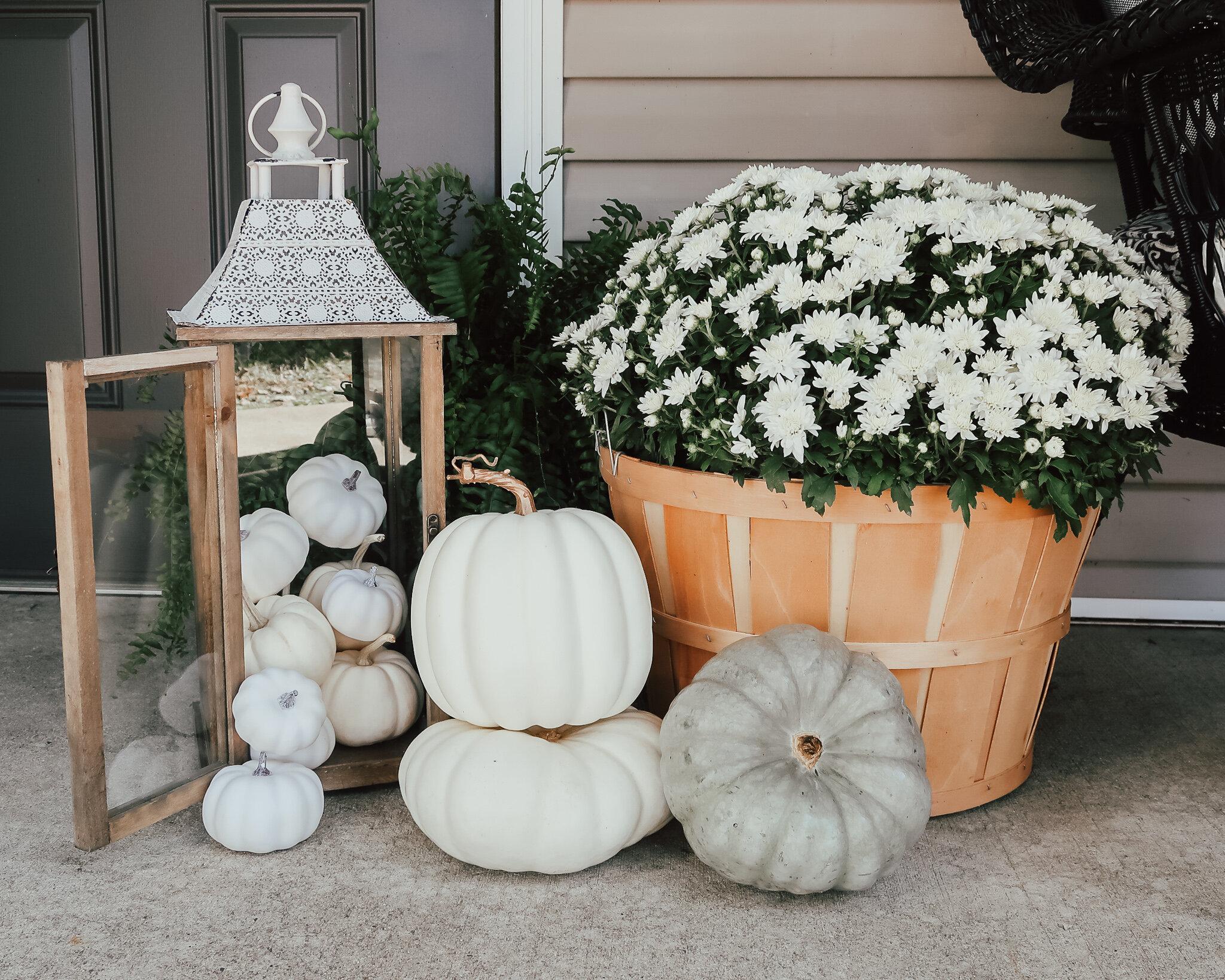 fall-front-porch-decor-11.jpg