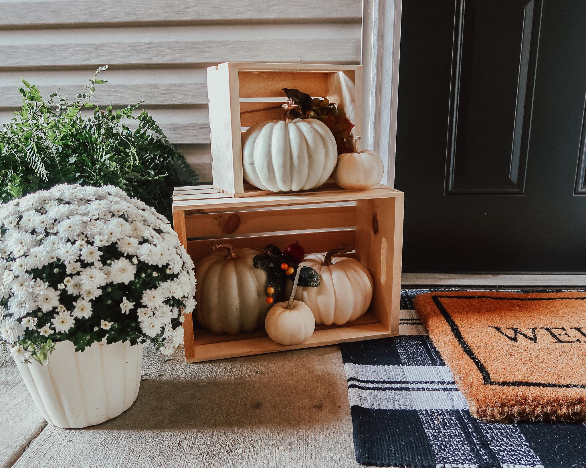 fall-front-porch-decor-17.jpg