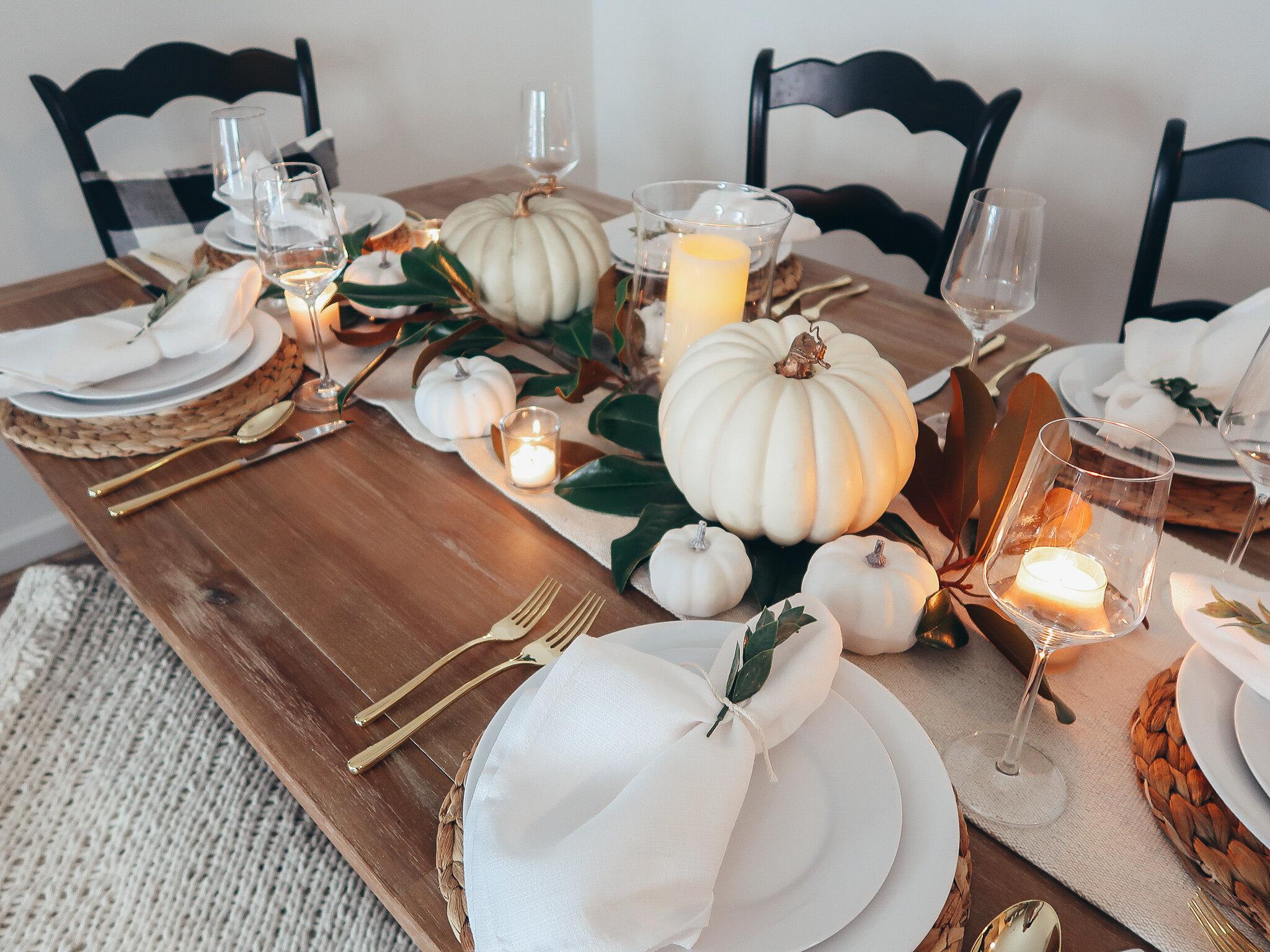 simplistic-thanksgiving-tablescape-2.jpg