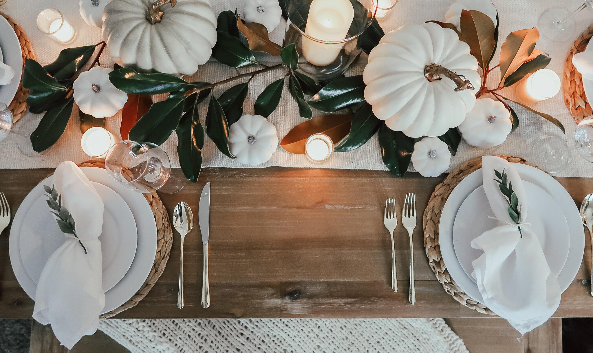 simplistic-thanksgiving-tablescape-3.jpg