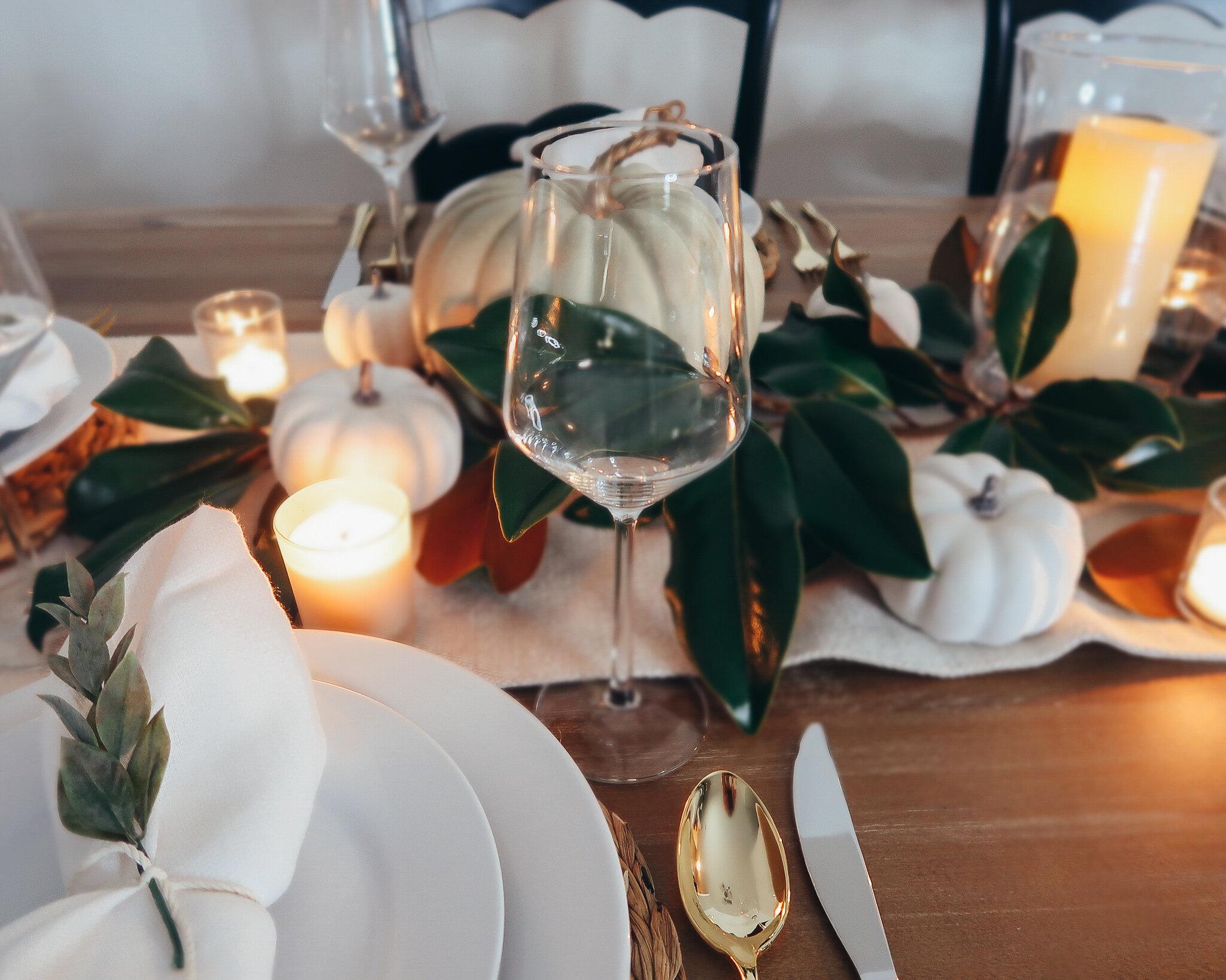 simplistic-thanksgiving-tablescape-9.jpg