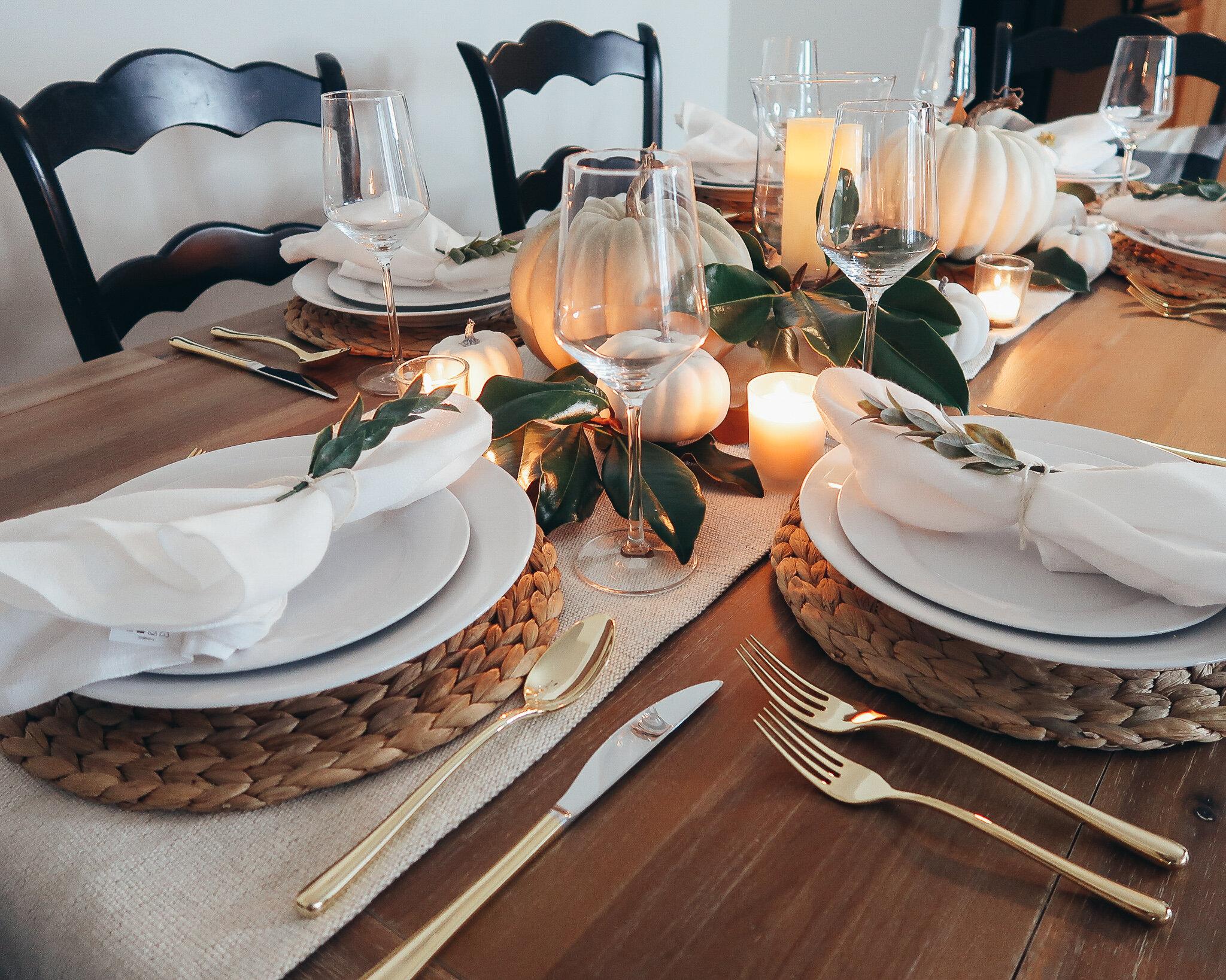 simplistic-thanksgiving-tablescape-11.jpg