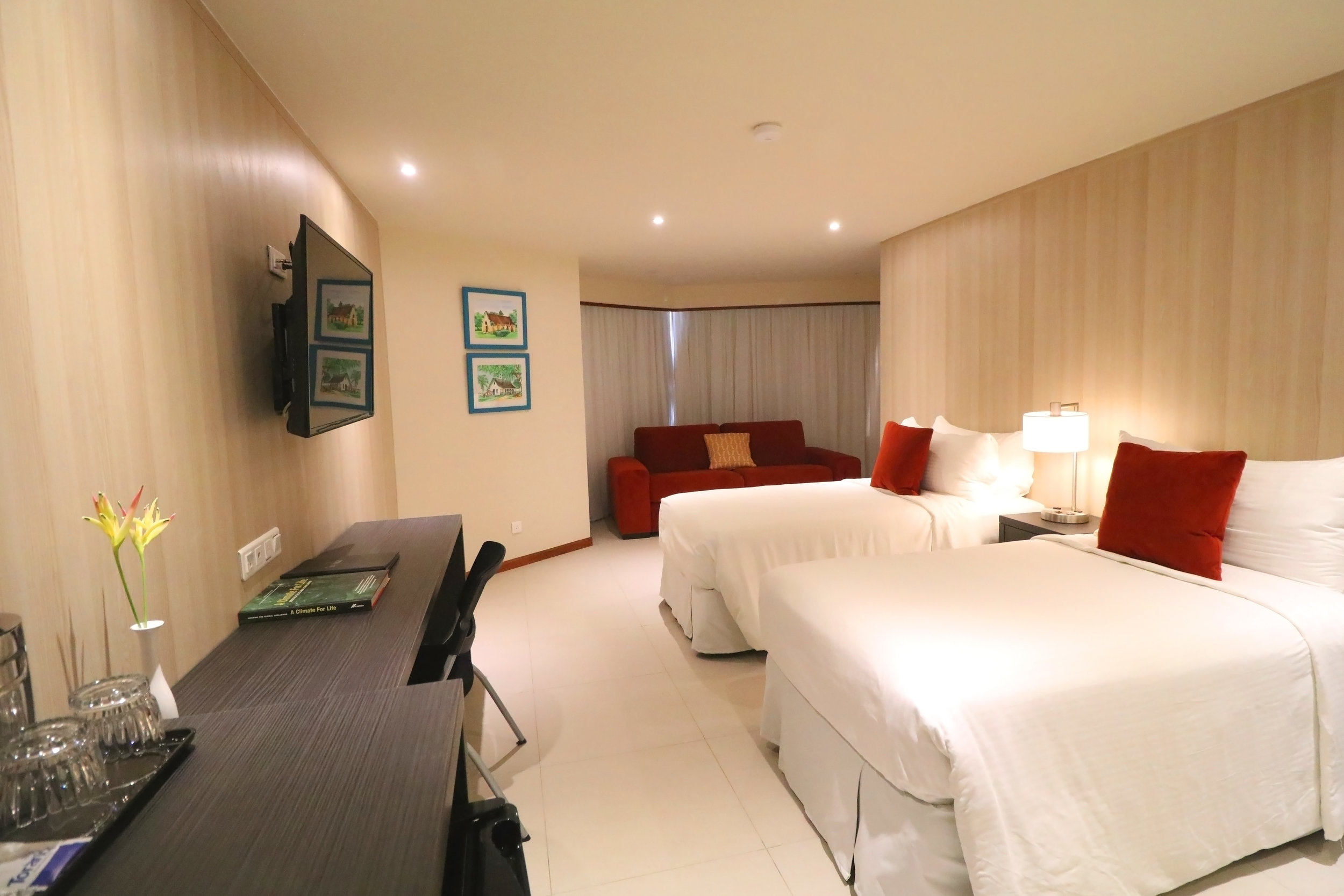 Torarica, Executive Room (4).JPG