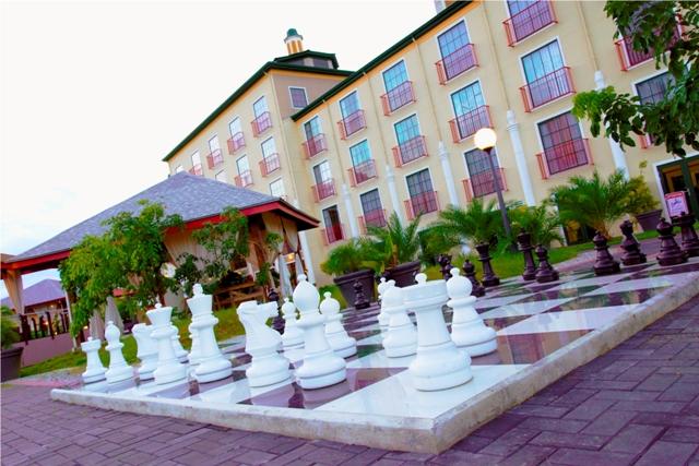 Royal, Chess.jpg