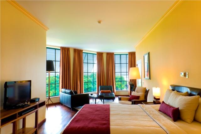 Royal, Penthouse bedroom (2).jpg