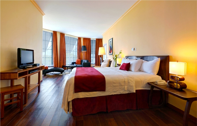 Royal, Penthouse bedroom.jpg