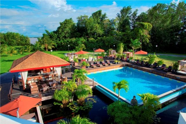 Royal, Pool (2).jpg