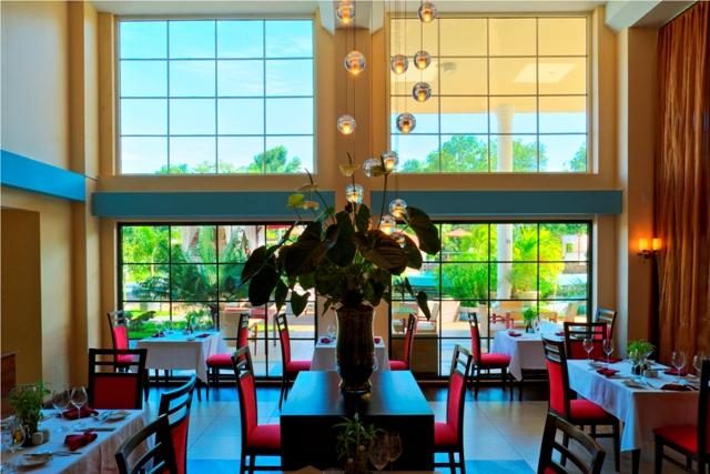 Royal, Restaurant (3).jpg
