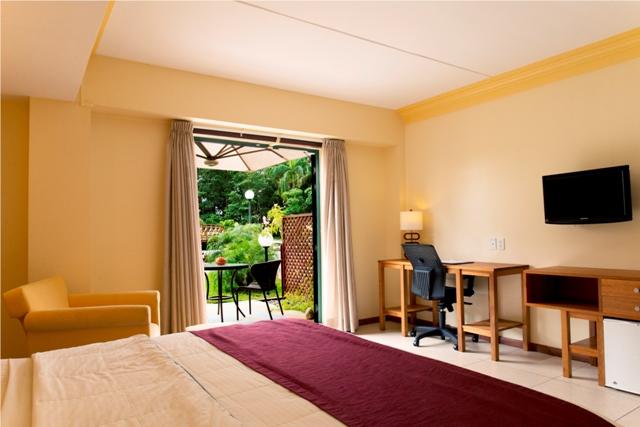 Royal, Terrace Room, Garden.jpg