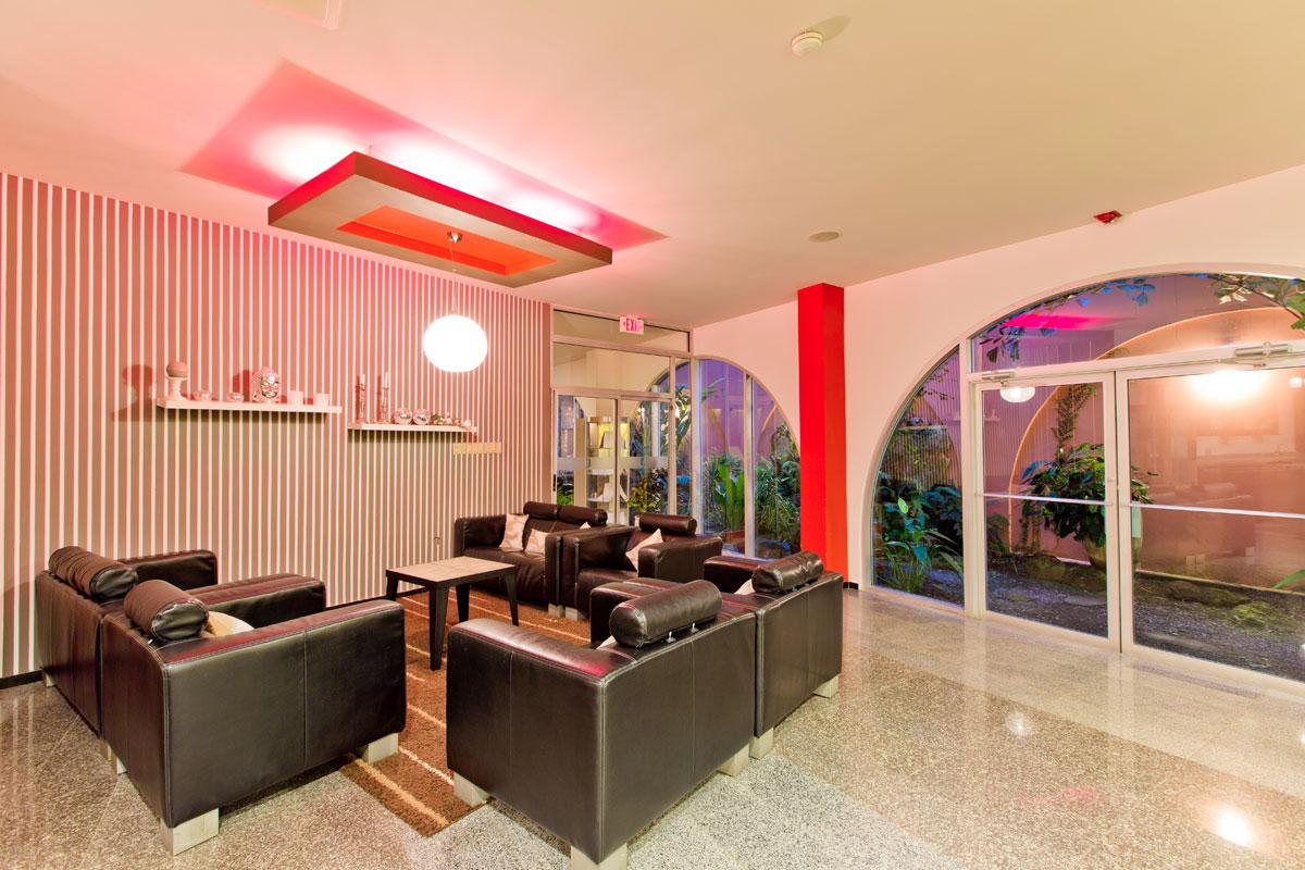 Queens Hotel Business Center.jpg