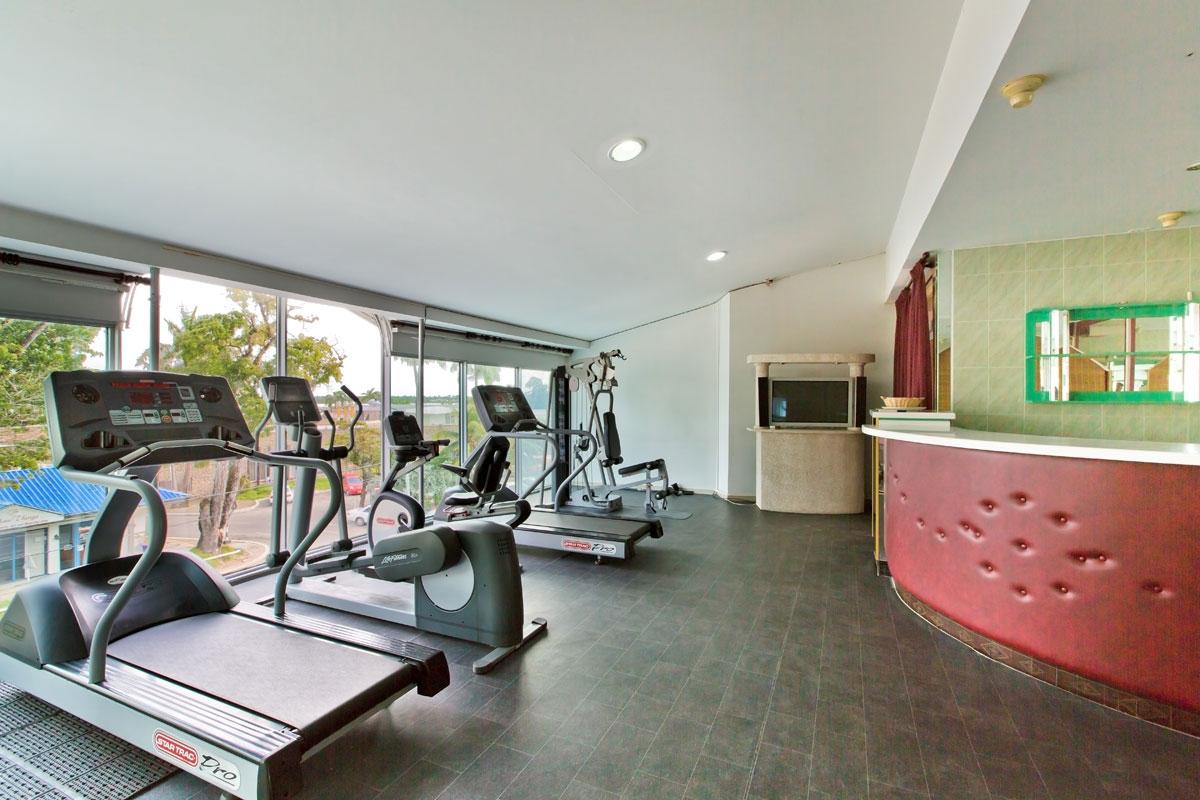 Queens Hotel Fitness.jpg