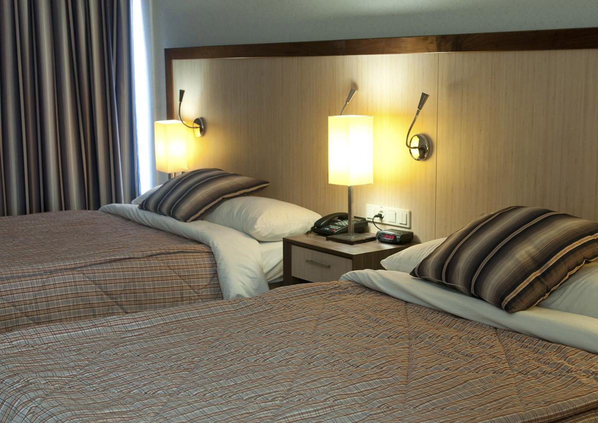 Queens standard room.jpg