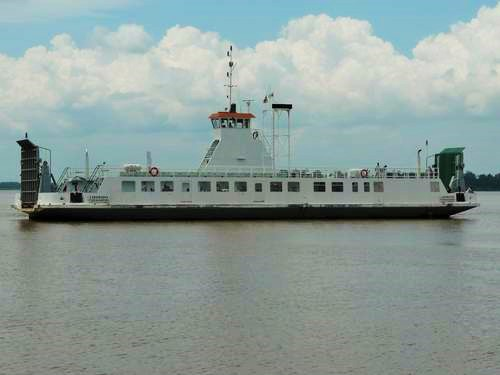 Canawaima Ferry Border Transfer (Guyana).jpg