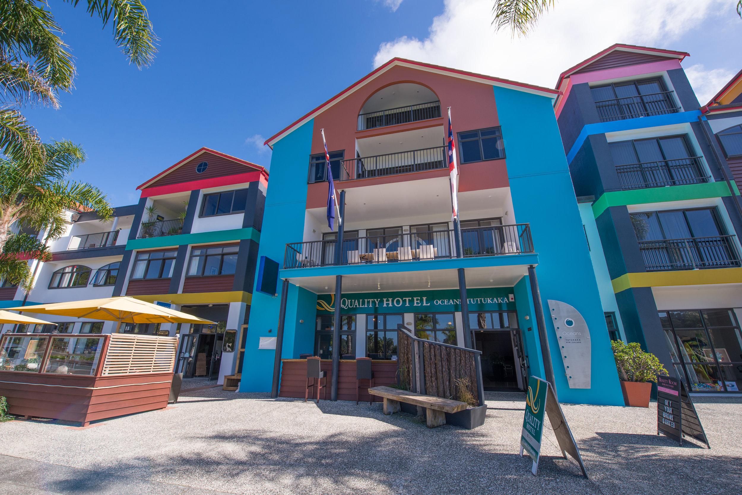 8 Iain Hotel Entrance.jpg