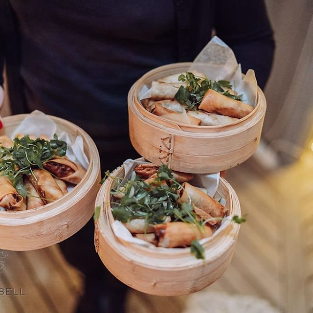 Like lots of tasty dishes? Want your guests to be excited waiting to see what's coming out next?  Tapas style or a Rolling menu is another way we can serve your meal, at your place or ours. 📷 @gregcampbell.photo #catering #tapas #wedding #dinner #springrolls #bamboobowls #sharing #tutukaka #events