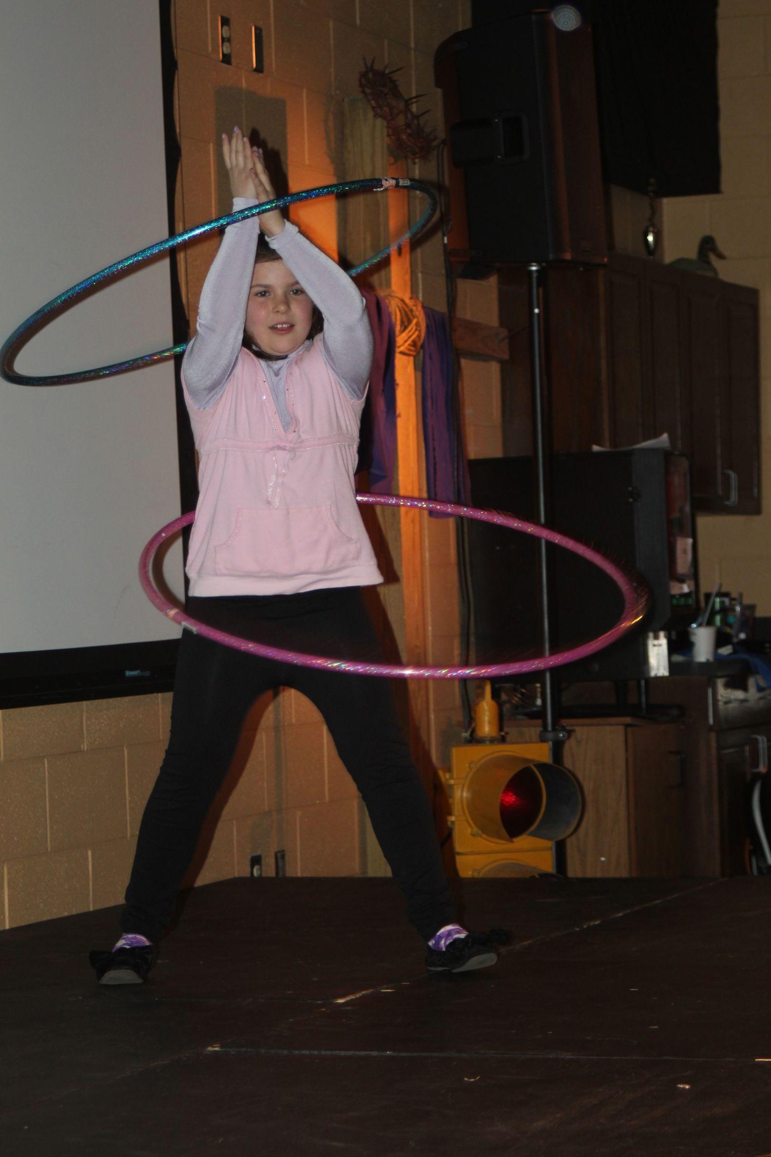 talent_4_Hula+hoop.jpg