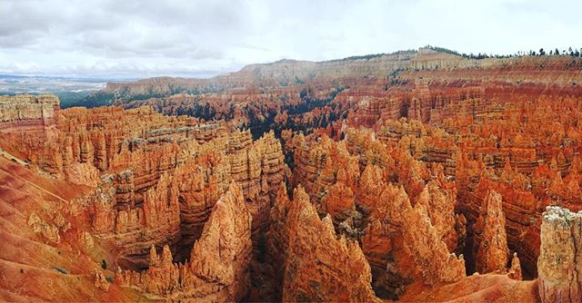 It was the end of winter, yet there were still some frosty tips on the hoodoos. #brycecanyon #nationalpark #roadtrip #audiodrama #fiction #podcast #roadtripradio