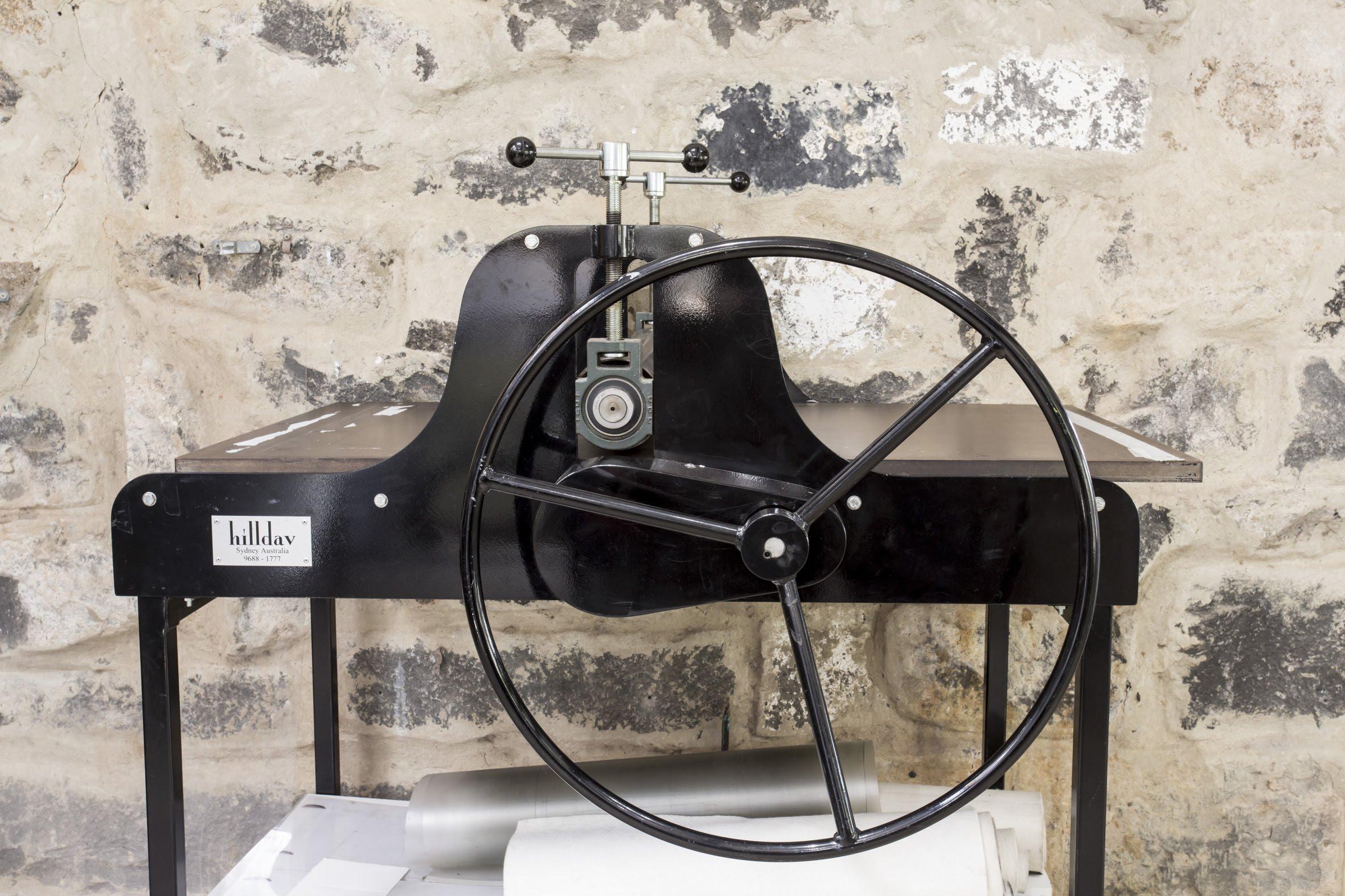 Hilldav etching press