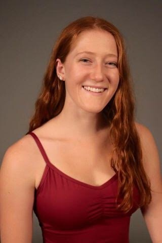 - Jenny Oelerich hails from Winnetka, Illinois and earned a BFA in Dance at the University of Illinois in Spring of 2019. During her time as an undergrad she had the privilege of working with Jan Erkert, Renee Wadleigh, and Abby Zbikowski among others.From a choreography standpoint, Jenny is interested in floor-work, partnering, and navigating full-bodied movement phrases that eat up space. Jenny is a dance teacher with students ranging from 3 years old to adults, and has recently earned her 200 hour yoga teacher certification under Linda Lehovec. Since graduating, Jenny has re-located back to the Chicagoland area.Ballet Instructor