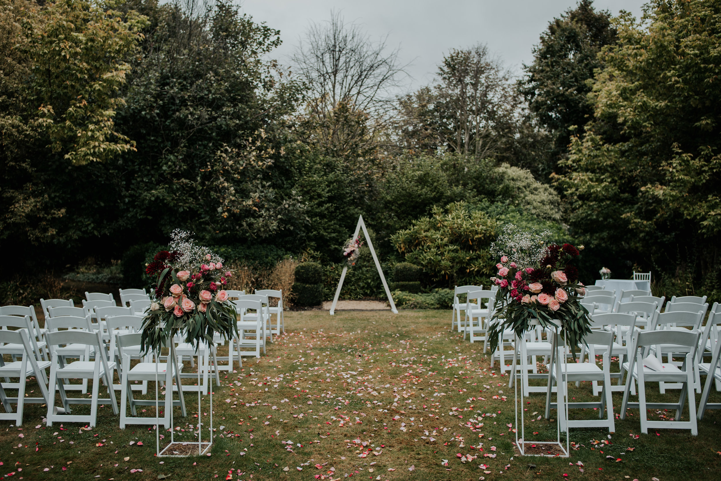 Emma & Willy | Pemberton Gardens | Sarah Clements Photography | Samantha Rose Flowers