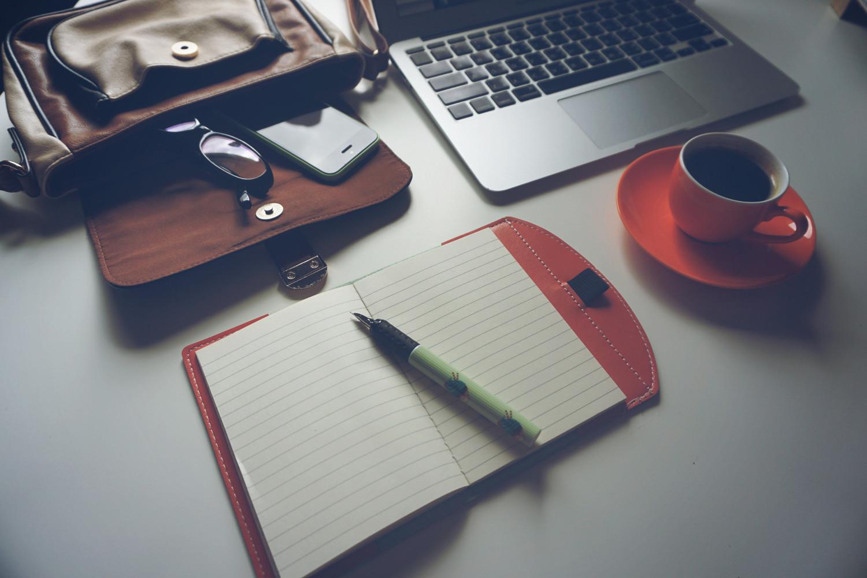 laptop-iphone-coffee-notebook-159368.jpeg