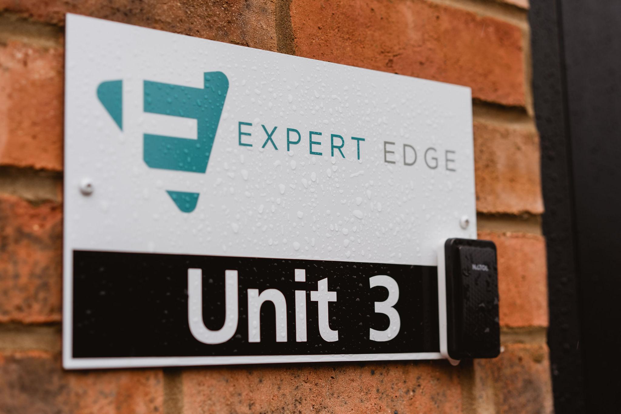 Expert_Edge_100.jpg