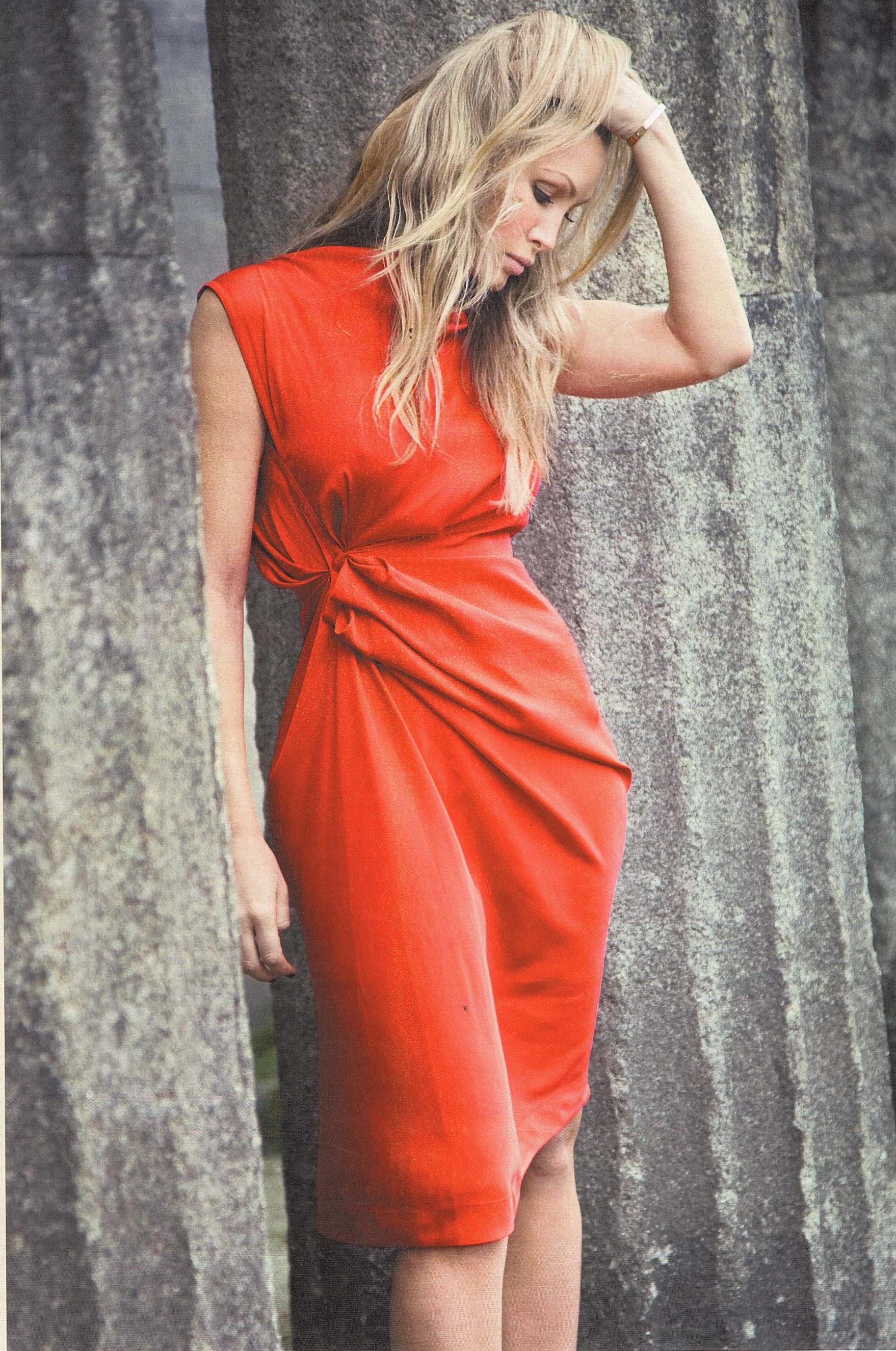 E%29+Red+dress+Life.jpg