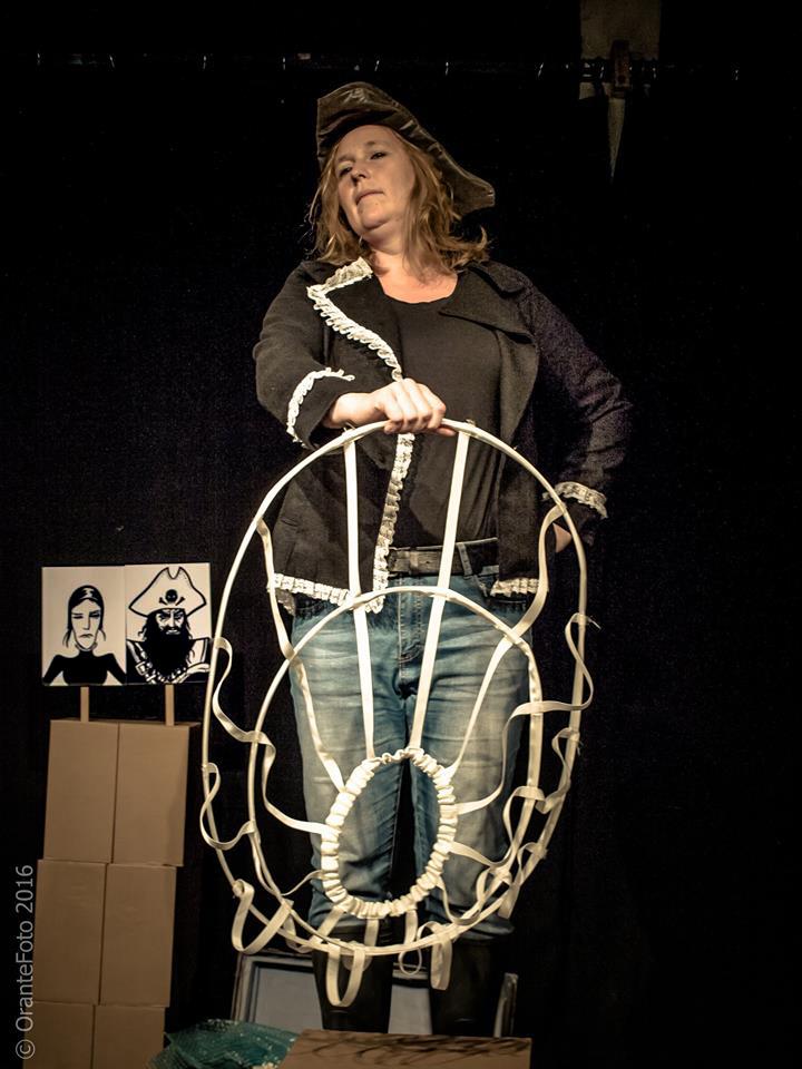 andre-slob_theatre_pirate-queen_black-oak_photo_2.jpg